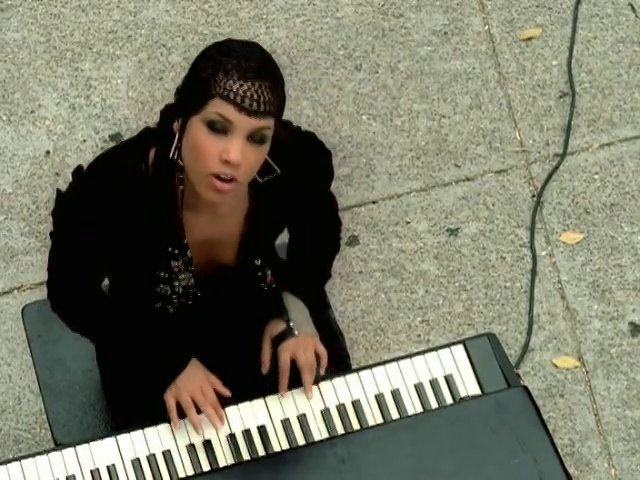 Alicia Keys - A Woman's Worth Lyrics and Free YouTube ...